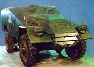 Бронетранспортер БТР-40Б с закрытым броневым корпусом в Музее бронетанковой техники, Кубинка.