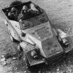 БТР-40 (SPW-40) со стрелком (Армия Восточной Германии)